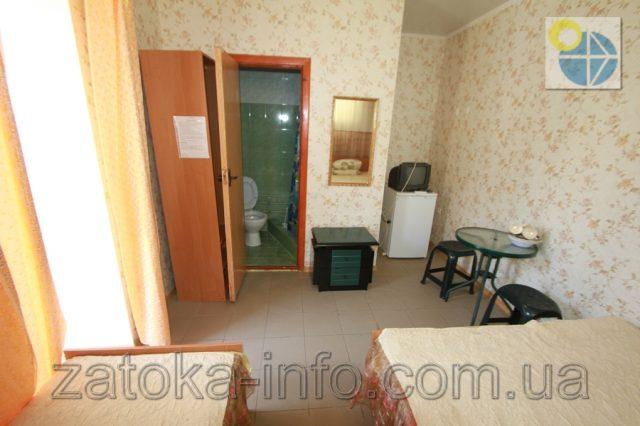 Трехместный номер люкс с удобствами без балкона - 5